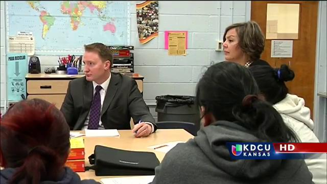 Padres que califican para DAPA en Wichita siguen en alerta