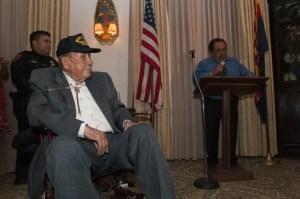Condecoran a hispano de Arizona que participó en la Segunda Guerra Mundial