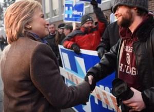 Primera victoria para Bernie Sanders y John Kasich en NH