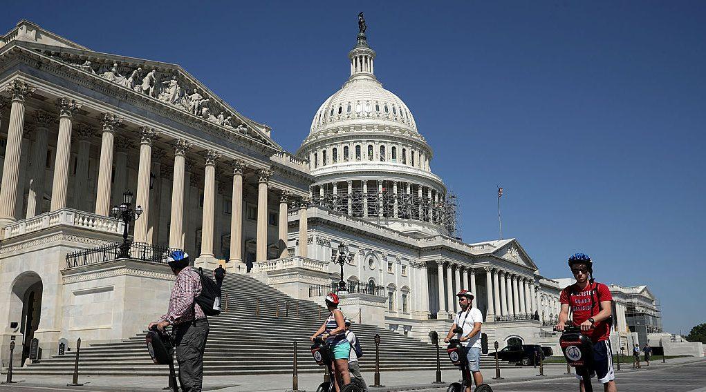 VIDEO: Dejan mucho que desear los miembros del Congreso de EE.UU.