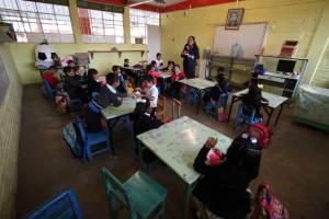 """Aumenta la """"rebelión de maestros"""" en EE.UU., ¿qué es lo que exigen?"""