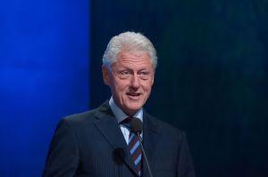 """Bill Clinton dice que Obamacare es """"la cosa más loca del mundo"""""""