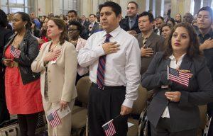 VIDEO: Acceso para latinos a información sobre la ciudadanía