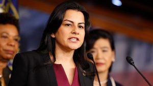 Tras ataque a tiros en Virginia, legisladores latinos reciben amenazas