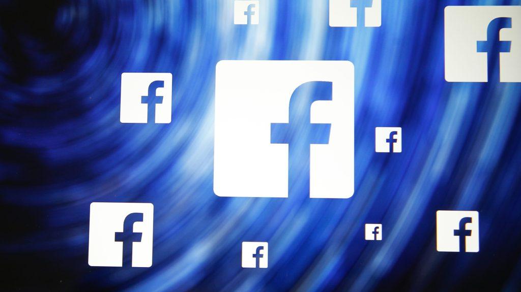 Bromas sobre muertes de migrantes en grupo de Facebook de Patrulla Fronteriza