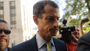 """21 meses de prisión para Weiner por """"sexting"""" con una menor"""