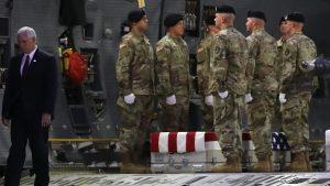 Padre de soldado abatido: Trump me ofreció $25 mil, pero nunca llegó