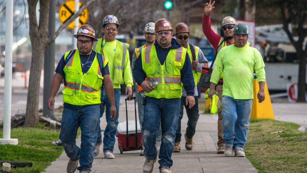 El desempleo cae a su nivel más bajo en 17 años