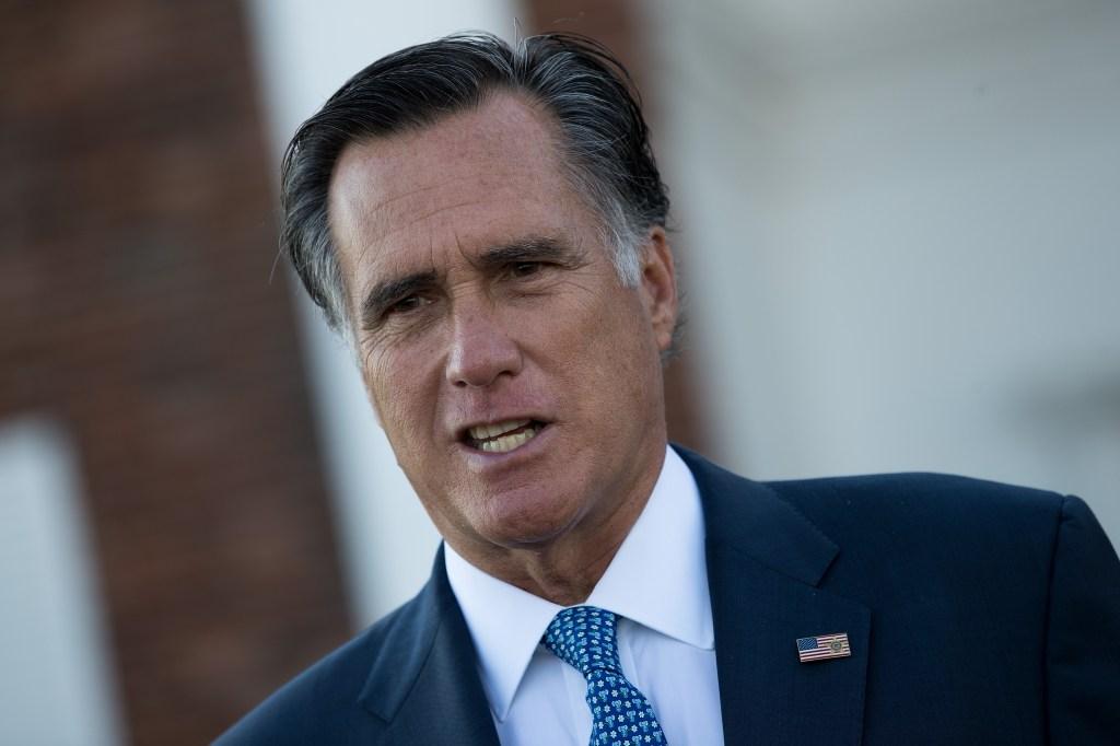 Mitt Romney propone $1,000 a cada adulto en EE.UU. para coronavirus