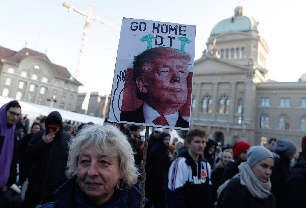 Trump se reunirá con la élite financiera mundial en Suiza
