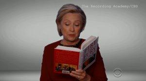"""Hillary lee """"Fuego y Furia"""" en los Grammy y la internet explota"""