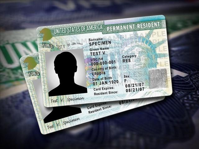 Trump negará 'Green Card' a inmigrantes legales que usen beneficios públicos
