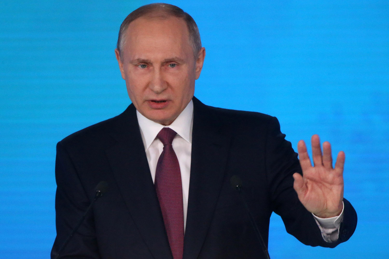 "Vladimir Putin dice que Rusia tiene armas nucleares ""invencibles"""