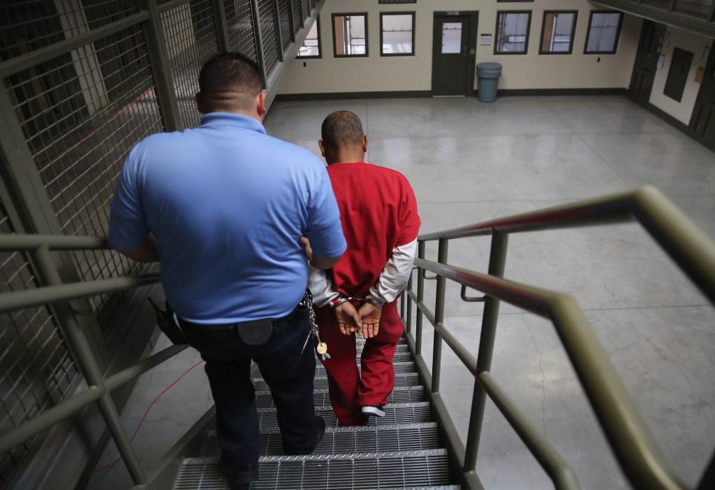 5 inmigrantes muertos bajo custodia de ICE en 4 meses
