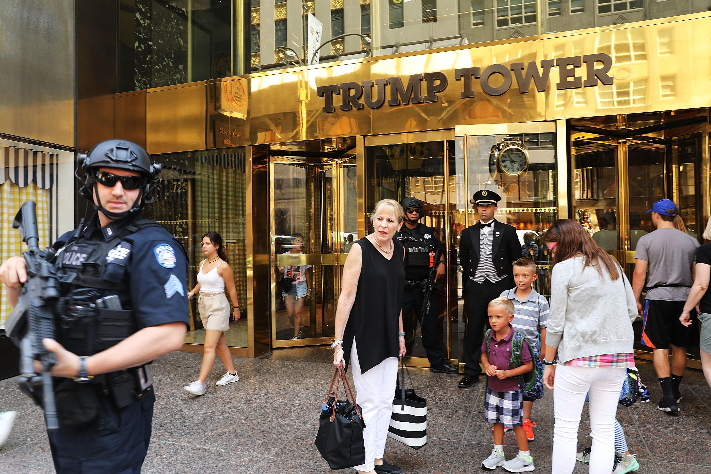 "127 mil firmas piden nombrar ""Barack Obama"" a calle de Torre Trump"