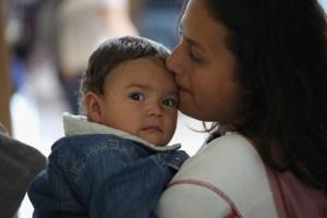 Reglas más estrictas para la ciudadanía a niños nacidos en el extranjero