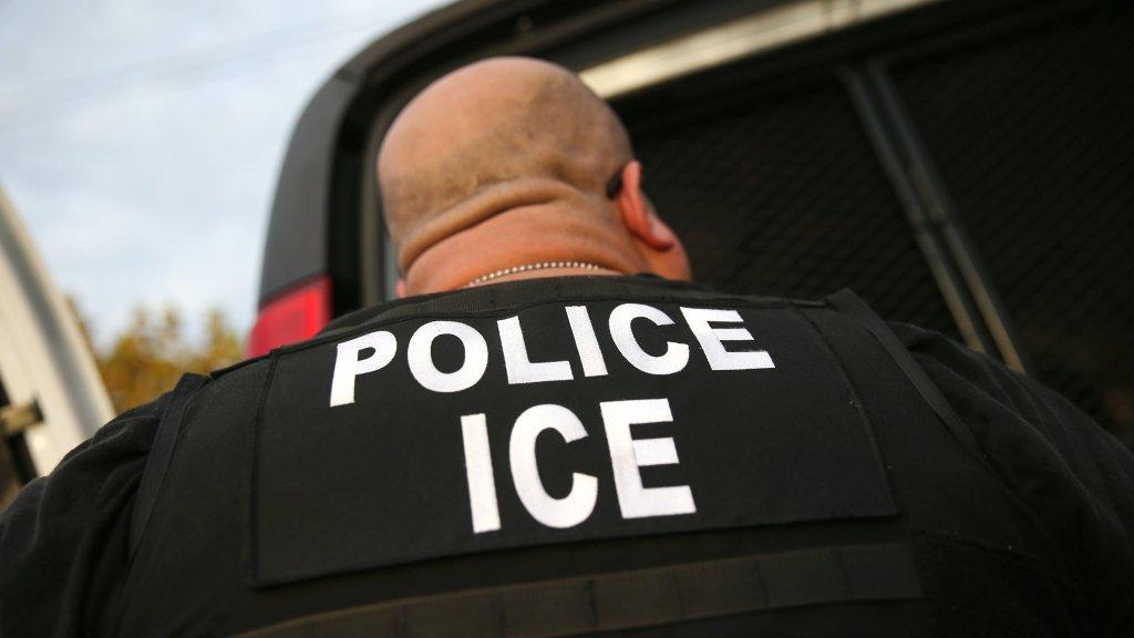 agente, police, ICE