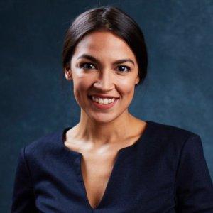 Latina derrota a congresista en Nueva York