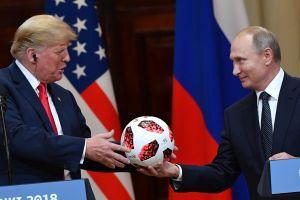 Trump, ante Putin, ataca los servicios de inteligencia de EE.UU.