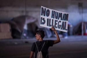 """Departamento de Justicia: digan """"extranjero ilegal"""" no """"indocumentado"""""""