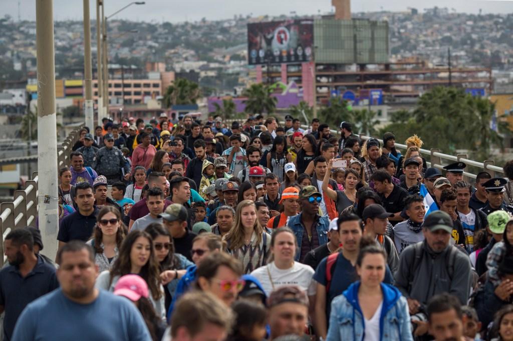 ICE lanza plan piloto en 10 ciudades para acelerar casos de deportación