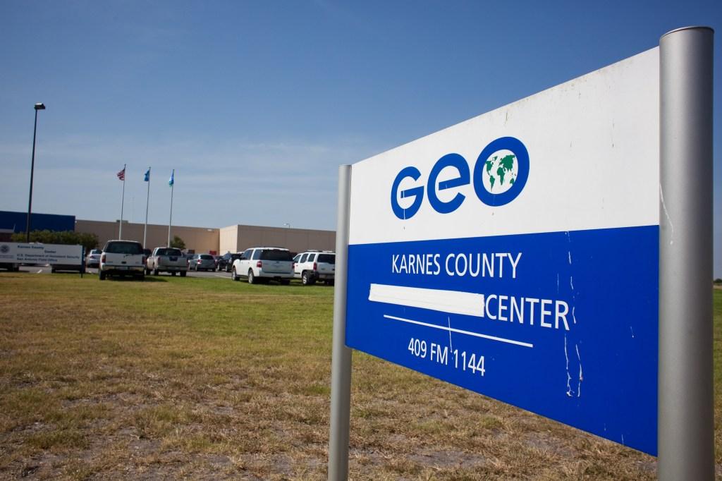 ICE reiniciará detención de familias migrantes en Texas