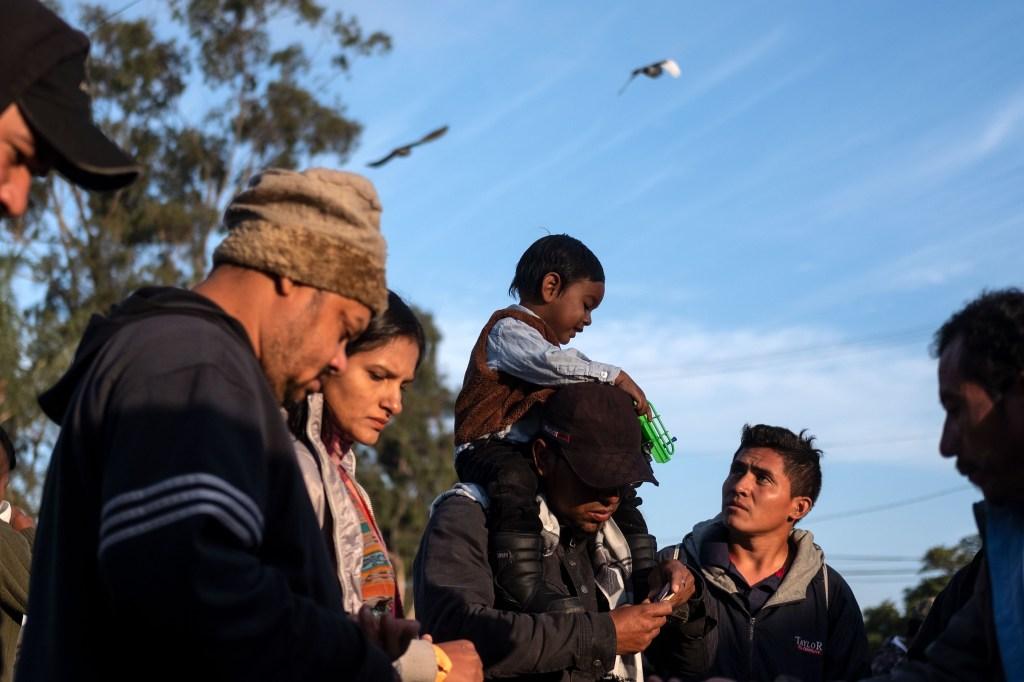 Organizaciones demandan al gobierno por nuevas restricciones al asilo