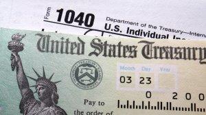 Los reembolsos del IRS se reducen en un 8.4%