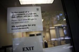 """Cierre de gobierno causó un """"daño real"""" a contribuyentes, dice IRS"""