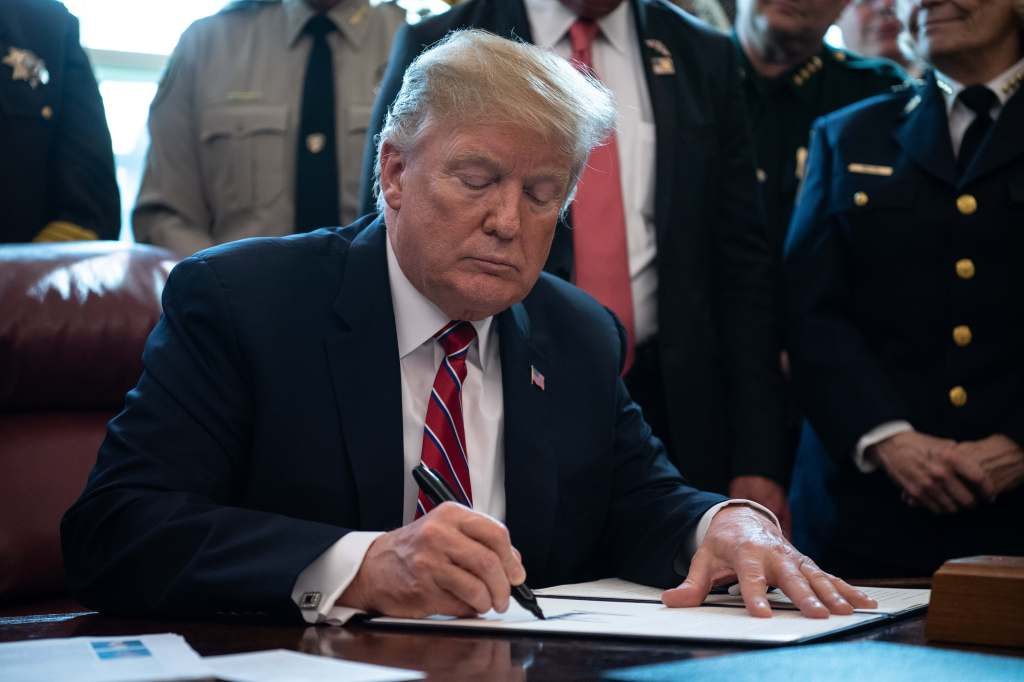 Trump anuncia un embargo económico total sobre Venezuela