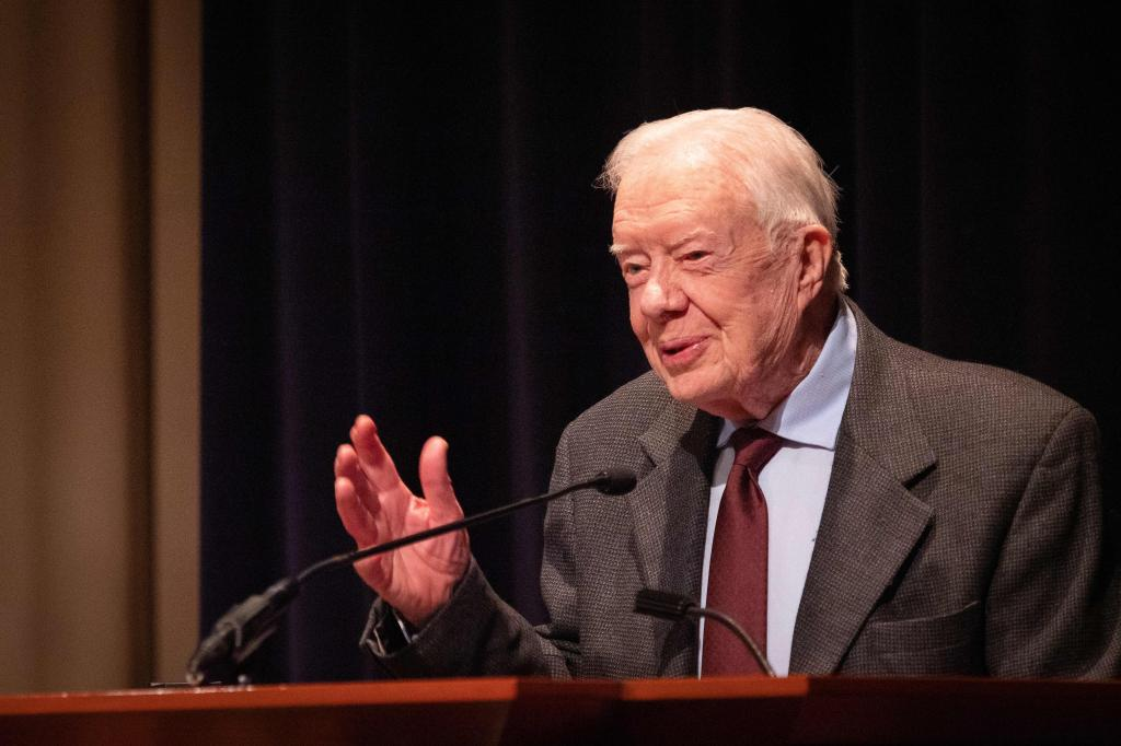 Jimmy Carter sugiere que Trump es un presidente ilegítimo