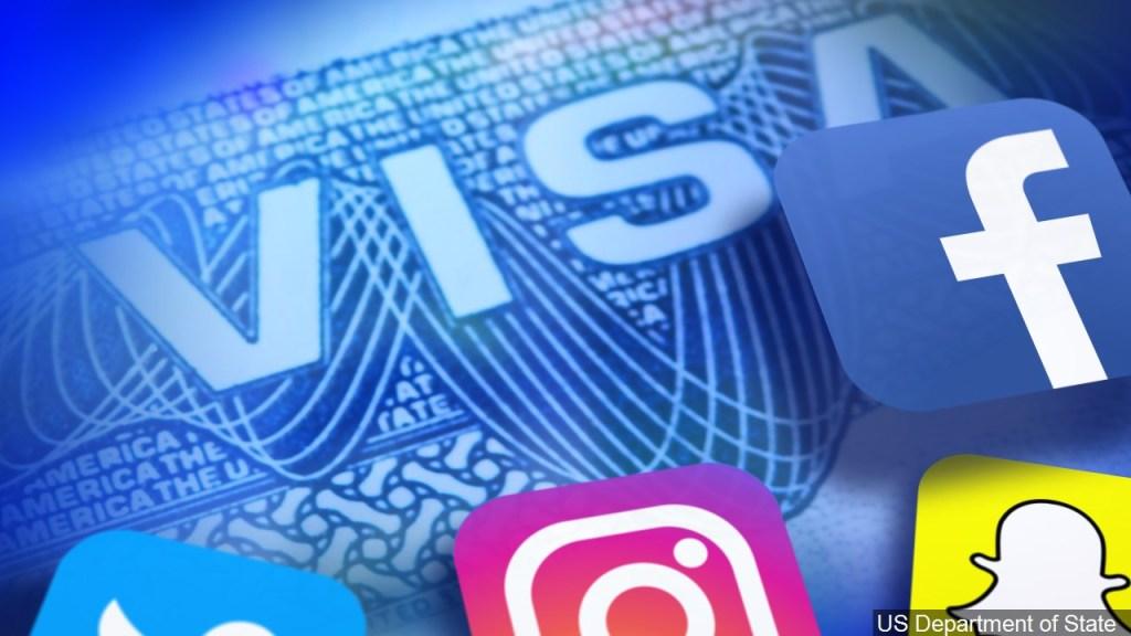 Agentes de USCIS crearán cuentas falsas en redes sociales para vigilar