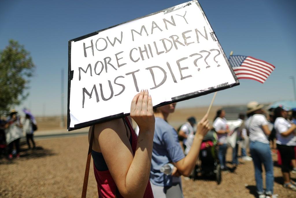 """""""Horroroso"""" dice legisladora tras visitar centro de detención en Texas"""