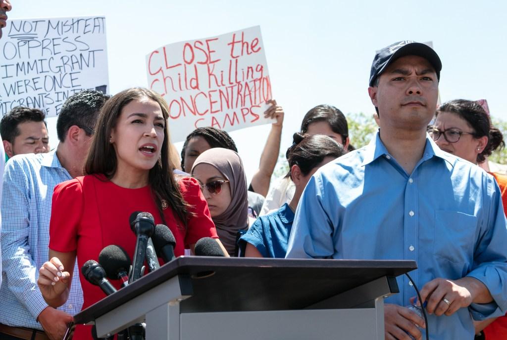 Legislador demócrata grabó en secreto a migrantes detenidos en Texas