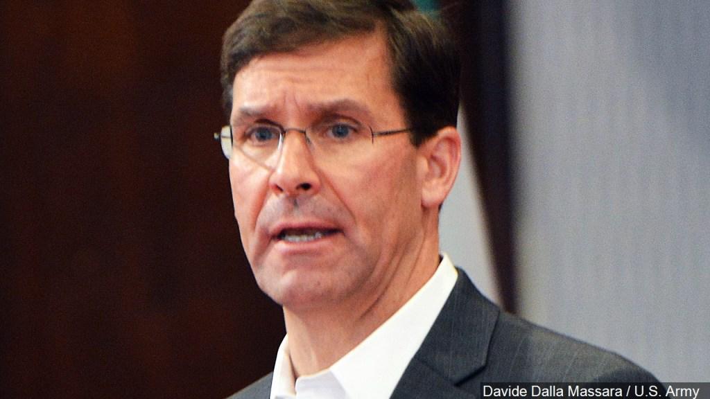 Senado confirma a Mark Esper como nuevo secretario de Defensa
