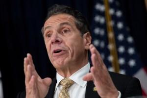 Gobernador de NY firma ley que permite acceso a impuestos de Trump