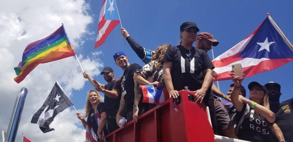Cientos de miles en Puerto Rico insisten en que renuncie Rosselló