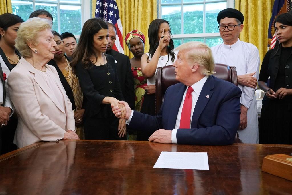 ¿Envidia o puro interés? Extraña conversación entre Trump y una Premio Nobel