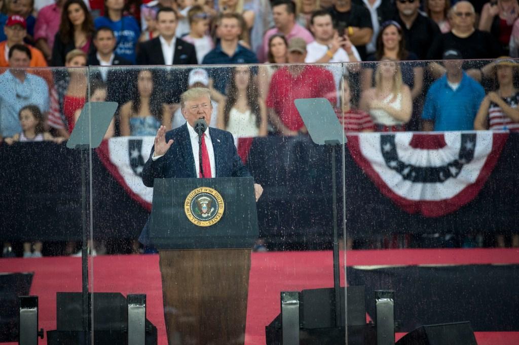 Trump elogia la toma en 1775 de los ¿aeropuertos? El error desata memes