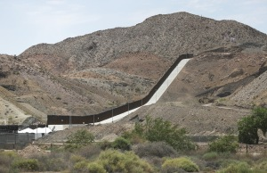 Grupo que levantó muro fronterizo privado bajo investigación criminal