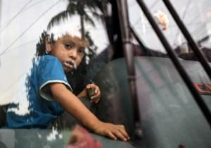 Conductores en Idaho acosan a niños migrantes que viajan en autobuses