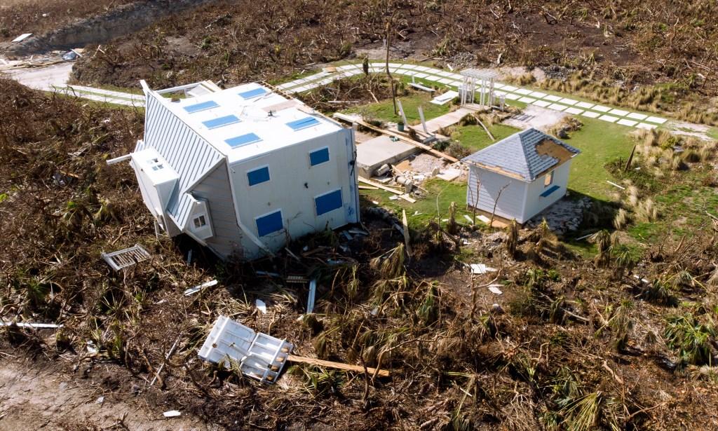 Trump ataca a refugiados bahameños afectados por huracán Dorian