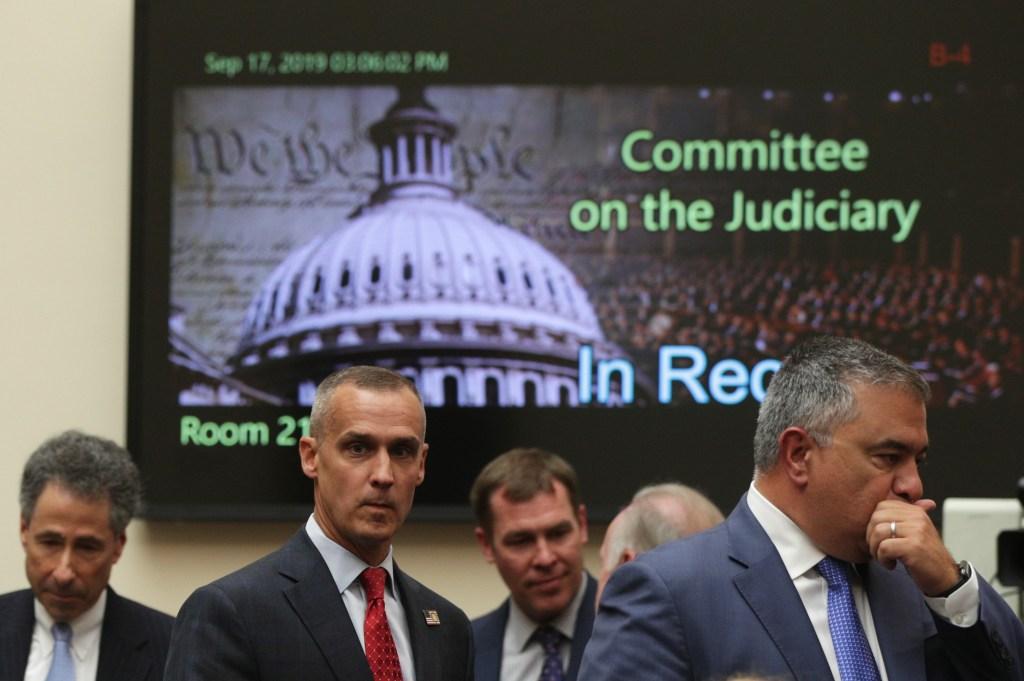 Drama y caos en primera audiencia para impugnación de Trump