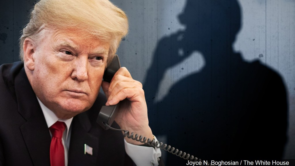 Casa Blanca admite que escondió transcripción de llamada con Ucrania