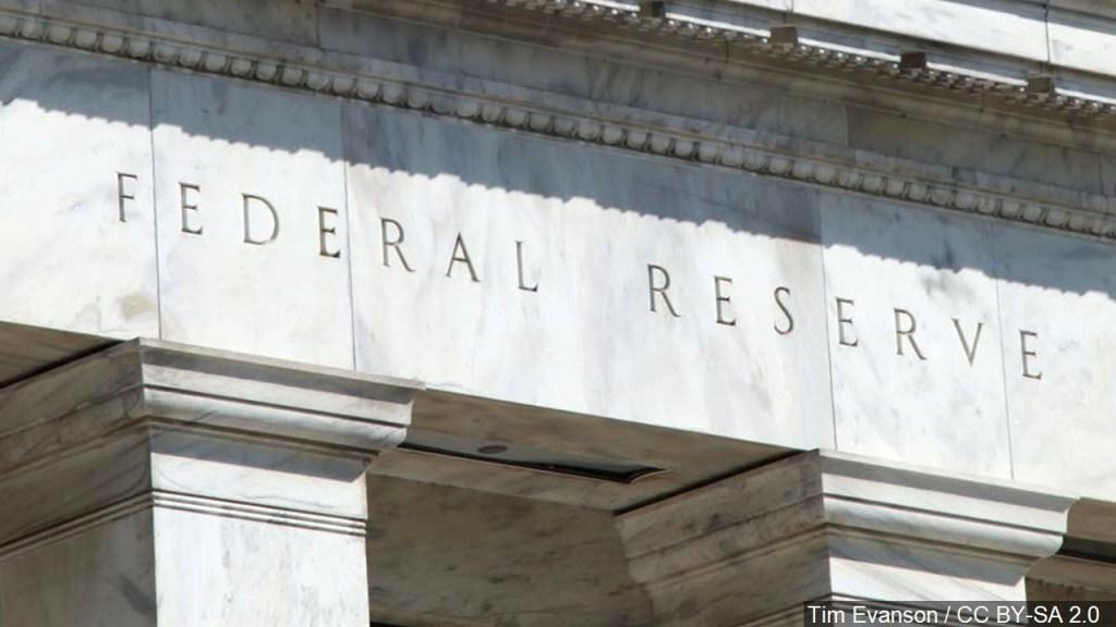 La Reserva Federal redujo las tasas de interés en 0.25%