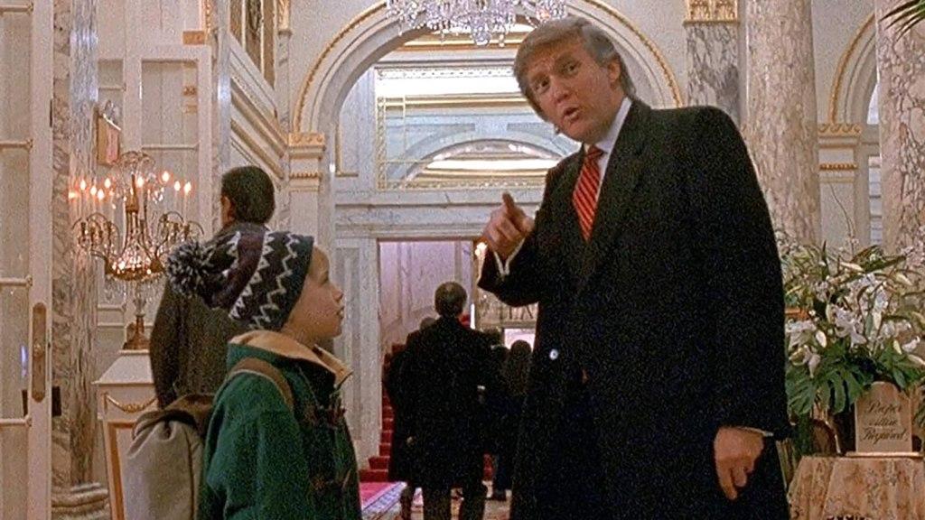 Trump culpa a Trudeau por eliminación de su escena en película