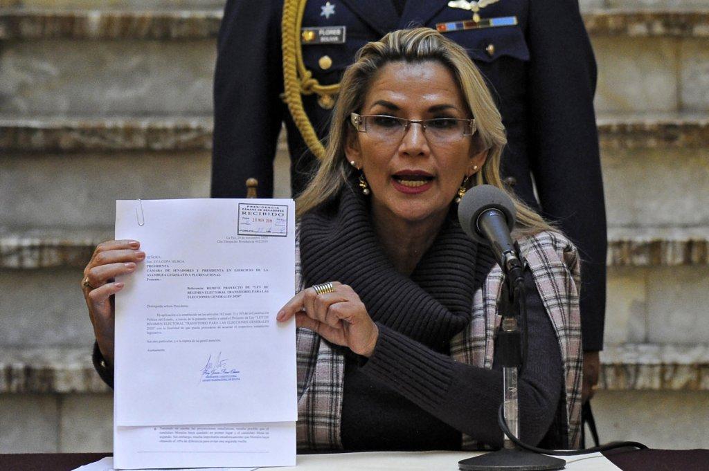 Gobierno de Bolivia expulsa a varios diplomáticos de México y España