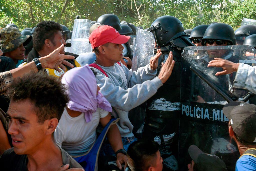 800 migrantes de caravana detenidos por Guardia Nacional de México