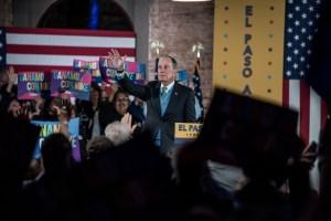 Mike Bloomberg trata de conquistar a los latinos de Texas