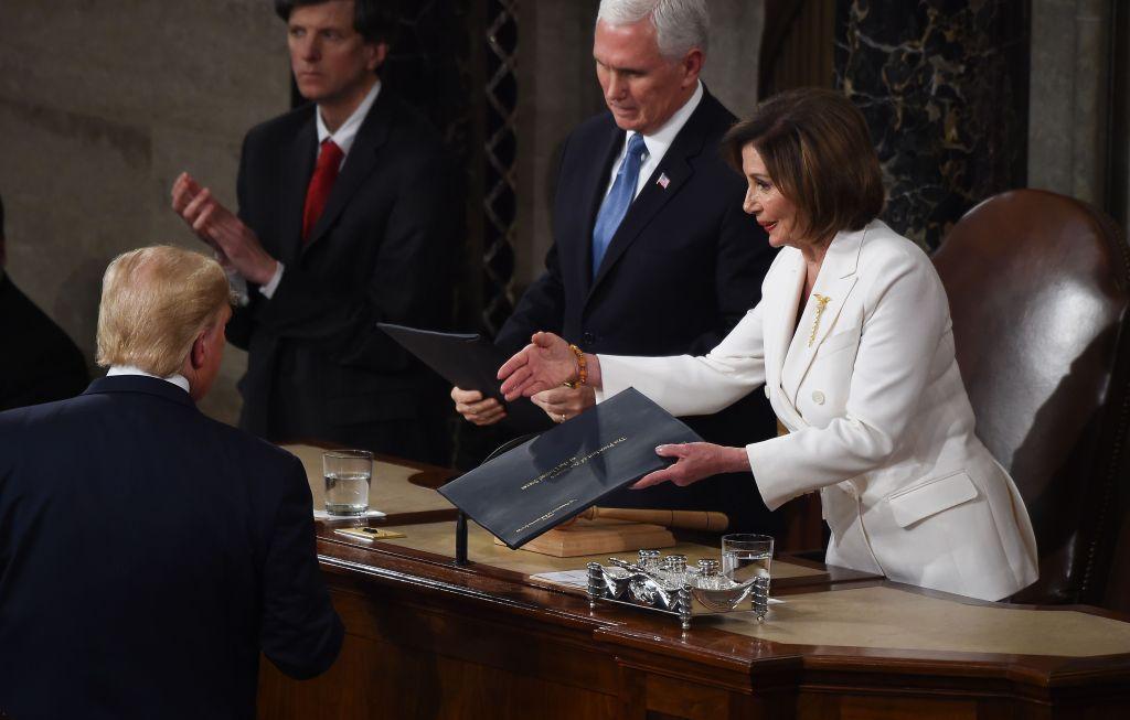 """Guerra entre Trump y Pelosi se enciende más tras el """"impeachment"""""""
